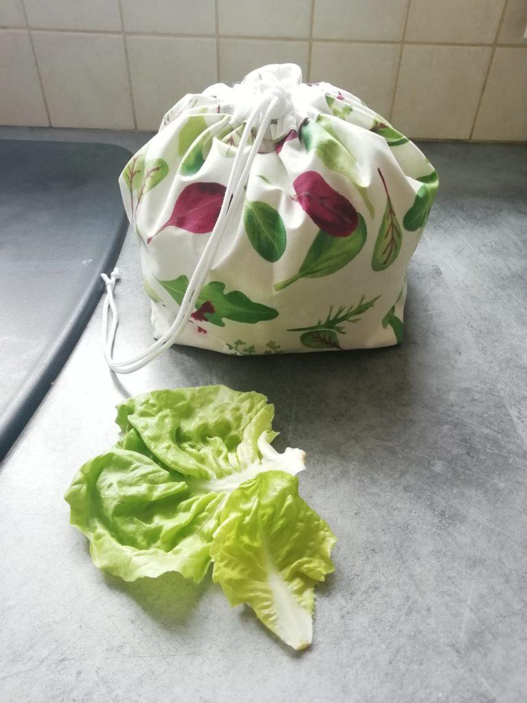 Sac à salade réutilisable fermé avec motifs salade