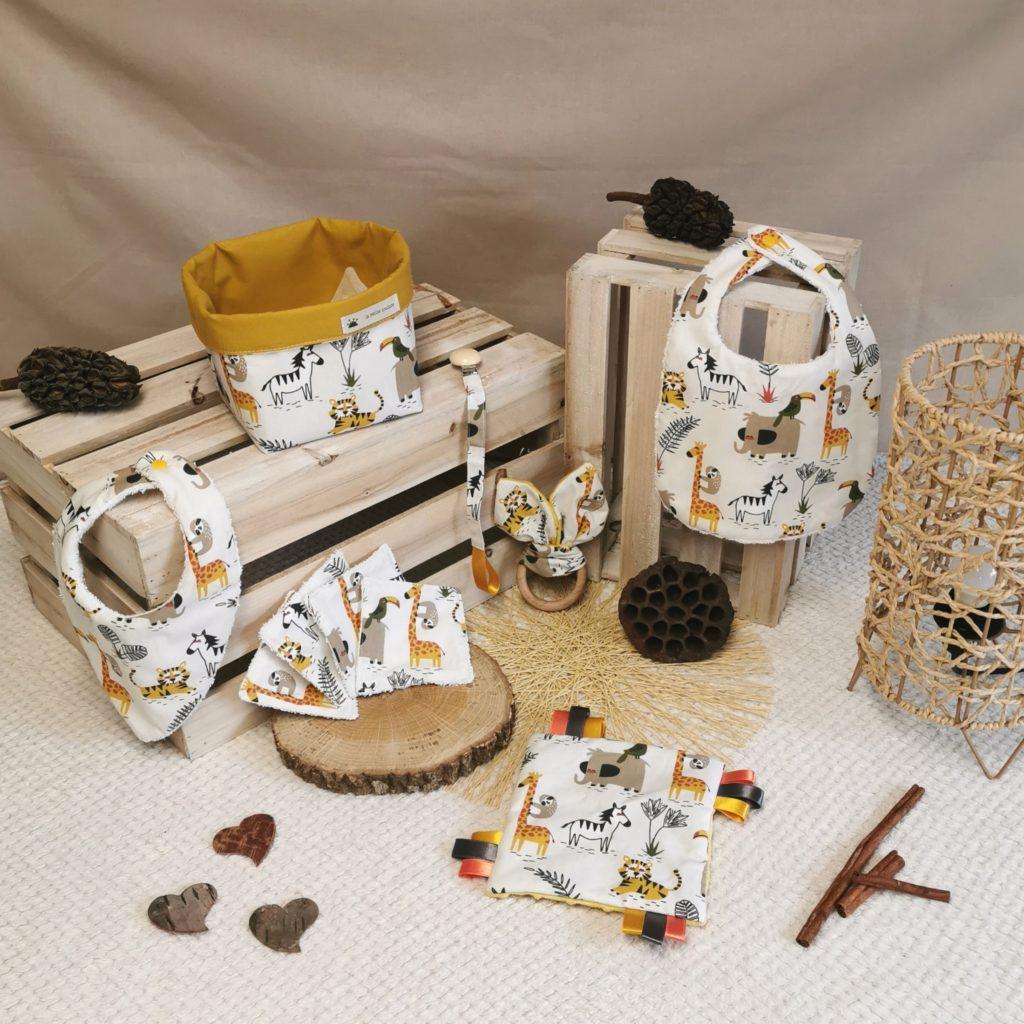 Coffret de naissance jaune et blanc pour garçon avec animaux de la savane